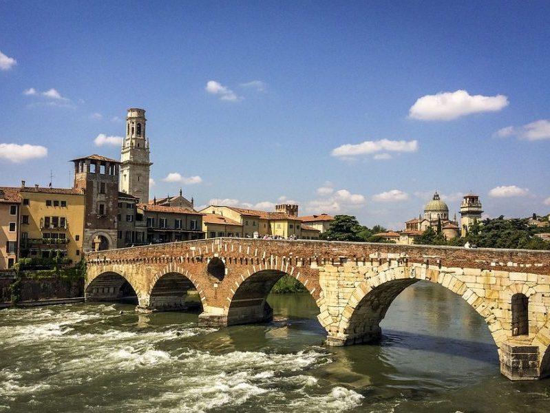 Ponte sul fiume della città di Verona