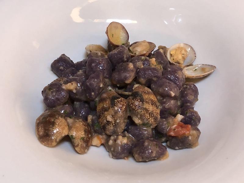 Gnocchi di patata viola - Trattoria Martina Sarzana